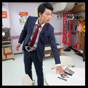 竹内涼真スーツ
